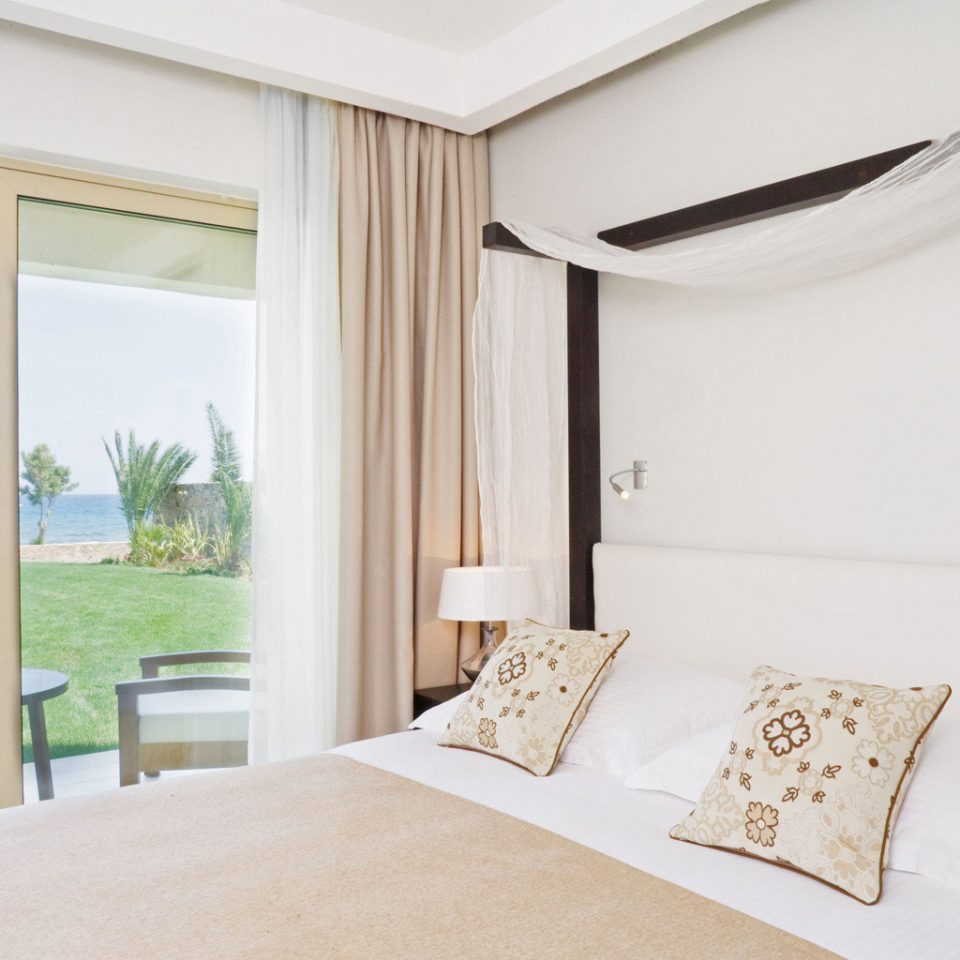 Beach Bedroom Deck Honeymoon Luxury Pool Resort Romance Scenic views Waterfront property Suite cottage home Villa