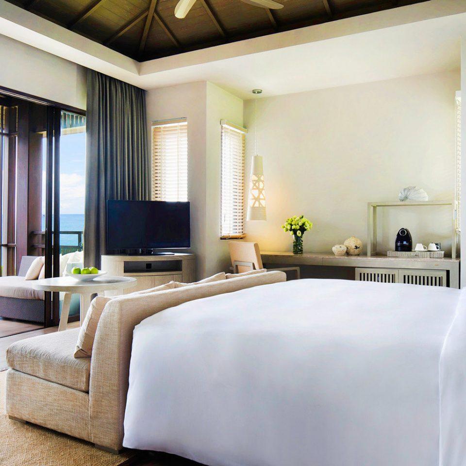 Beach Bedroom Family Modern Patio Resort sofa property condominium living room Suite home white pillow Villa mansion cottage