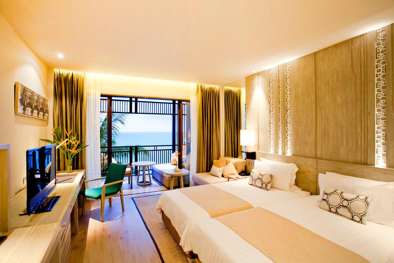 Beach Bedroom Family Modern Patio Resort sofa property Suite scene condominium living room home Villa flat