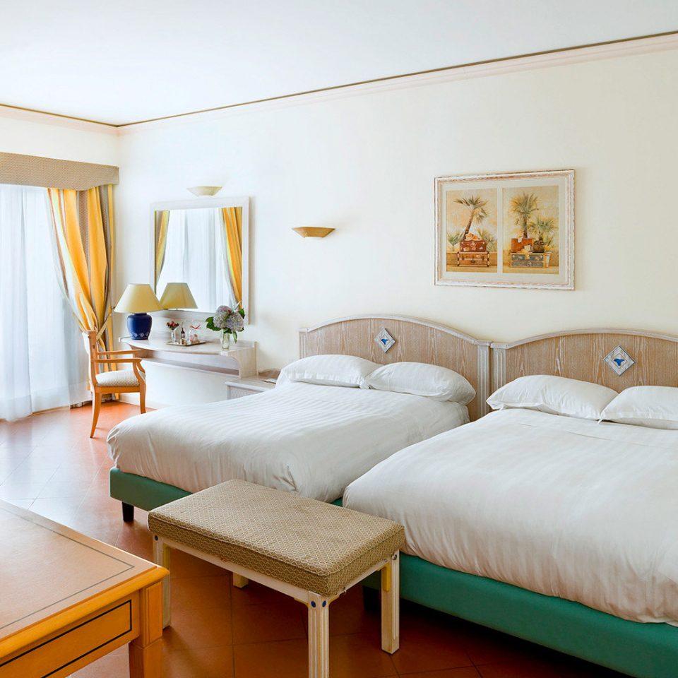 Beach Family Outdoor Activities Resort property Bedroom cottage Suite Villa