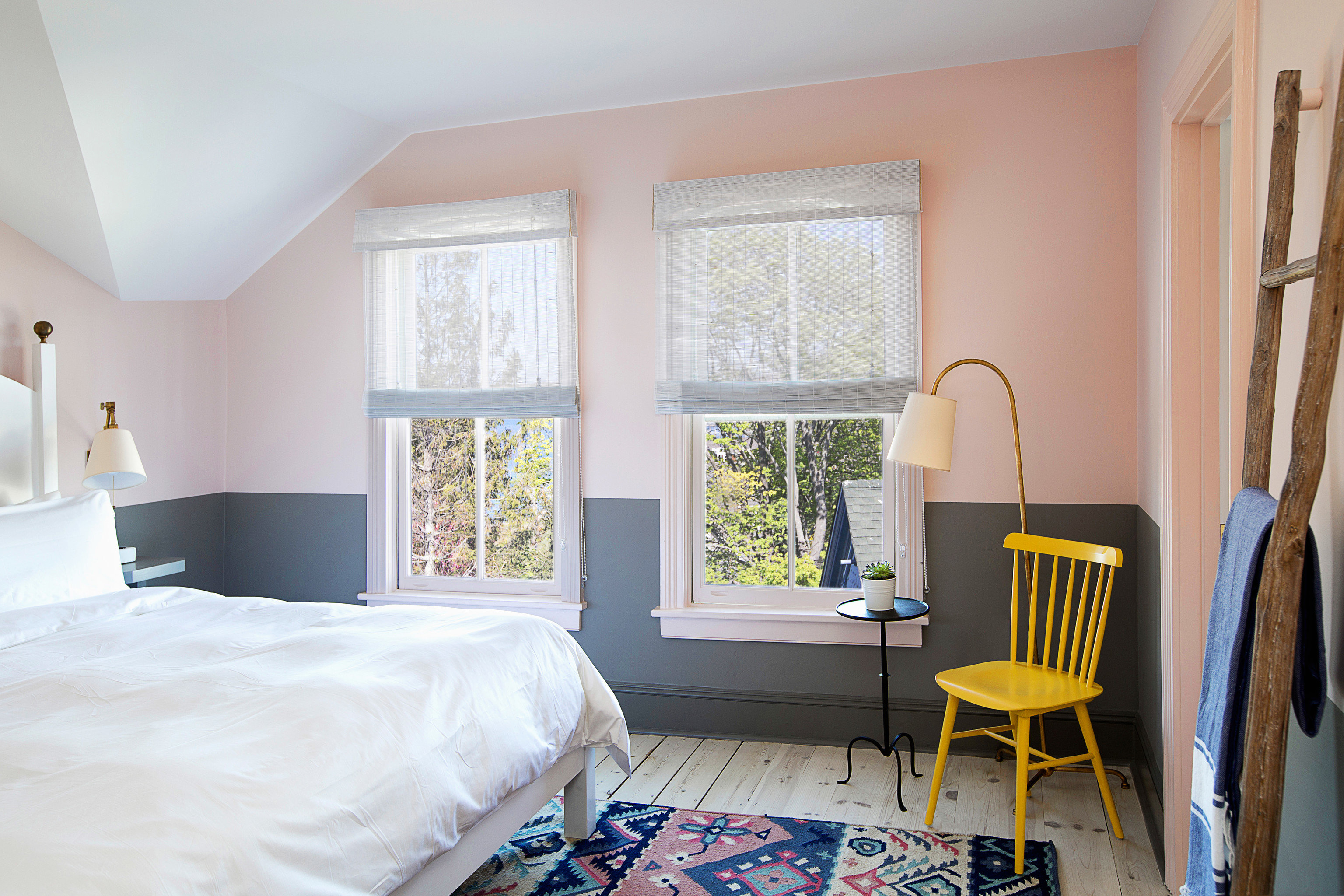 Beach Hotels New York Romance South Fork The Hamptons Trip Ideas Weekend Getaways property Bedroom home living room cottage