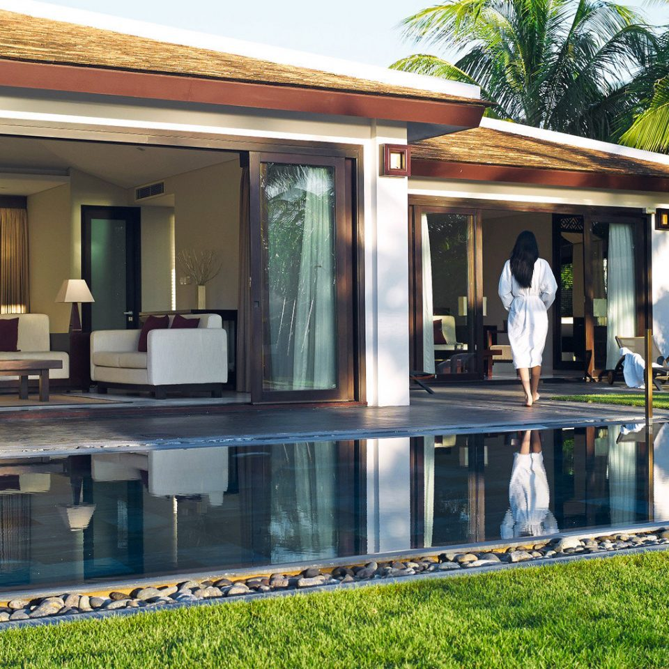 Beach Bedroom Jungle Lounge Luxury Modern Ocean Patio Pool Resort Tropical Villa Waterfront building property house home swimming pool backyard outdoor structure cottage mansion condominium porch