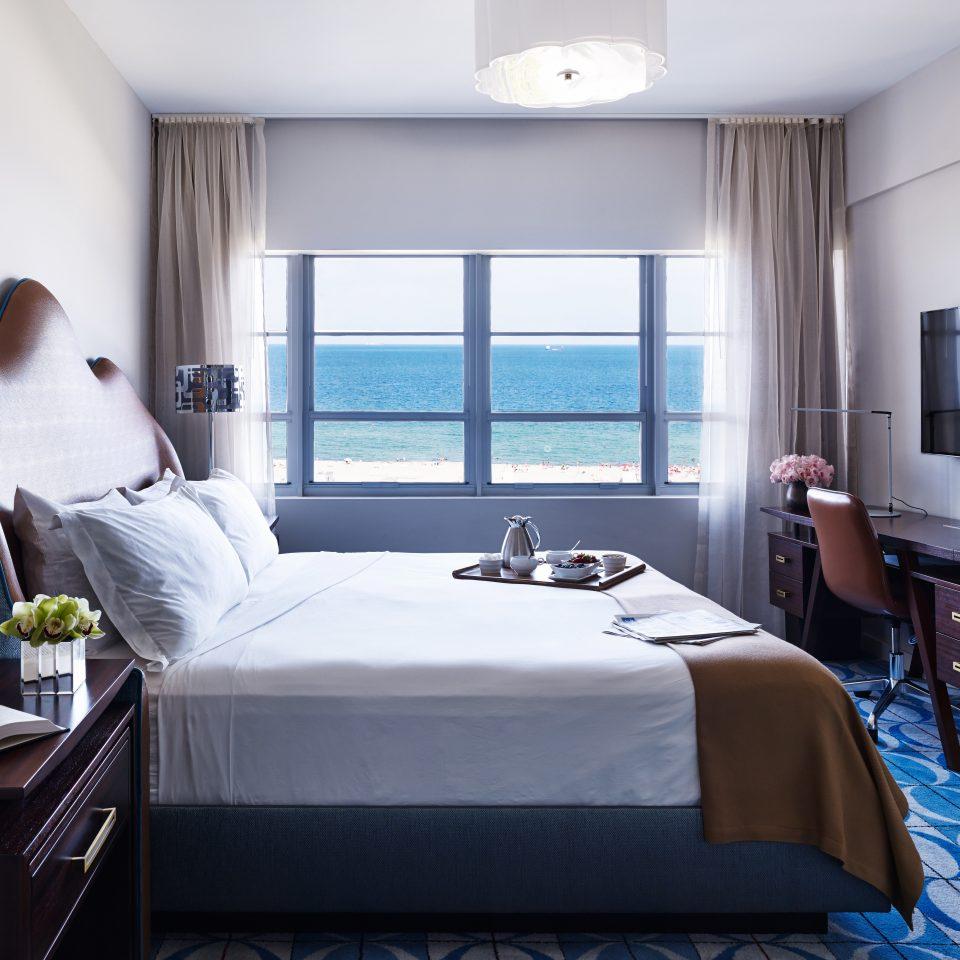 Beach Bedroom Ocean Resort property Suite living room home condominium