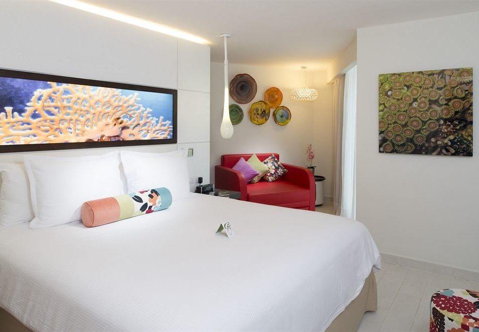 Beach Bedroom Resort Sea property Suite cottage white bed sheet living room