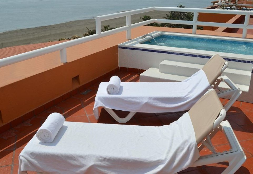 Beach Budget City Family Hot tub/Jacuzzi Terrace Tropical vehicle Boat ship chair passenger ship ecosystem yacht watercraft Deck skiff luxury yacht