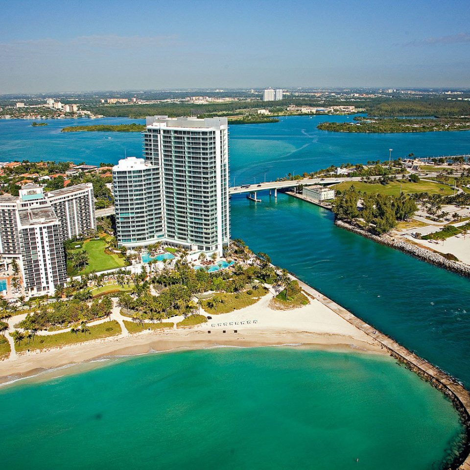 City Grounds Ocean Tropical sky water Coast Sea Beach aerial photography marina shore horizon caribbean dock Nature cape reef Resort cove Lagoon Harbor Island lined