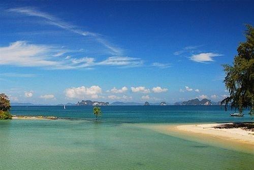 water sky Nature Beach shore horizon Sea Ocean caribbean Coast Lagoon islet cape Island cove day sandy