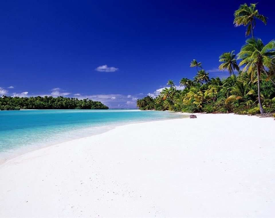 sky Beach water Nature shore Sea caribbean Ocean horizon Coast Island Lagoon tropics sand arecales atoll sandy day