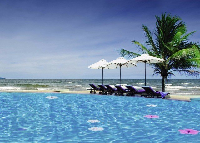 water sky Beach leisure swimming pool caribbean Sea Resort Ocean Lagoon Coast Island arecales cay cape shore swimming sandy