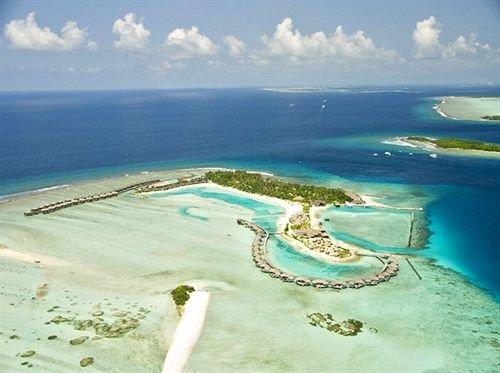 sky water Nature Coast Ocean caribbean Sea shore Beach islet Lagoon atoll cape wind wave Island archipelago cay