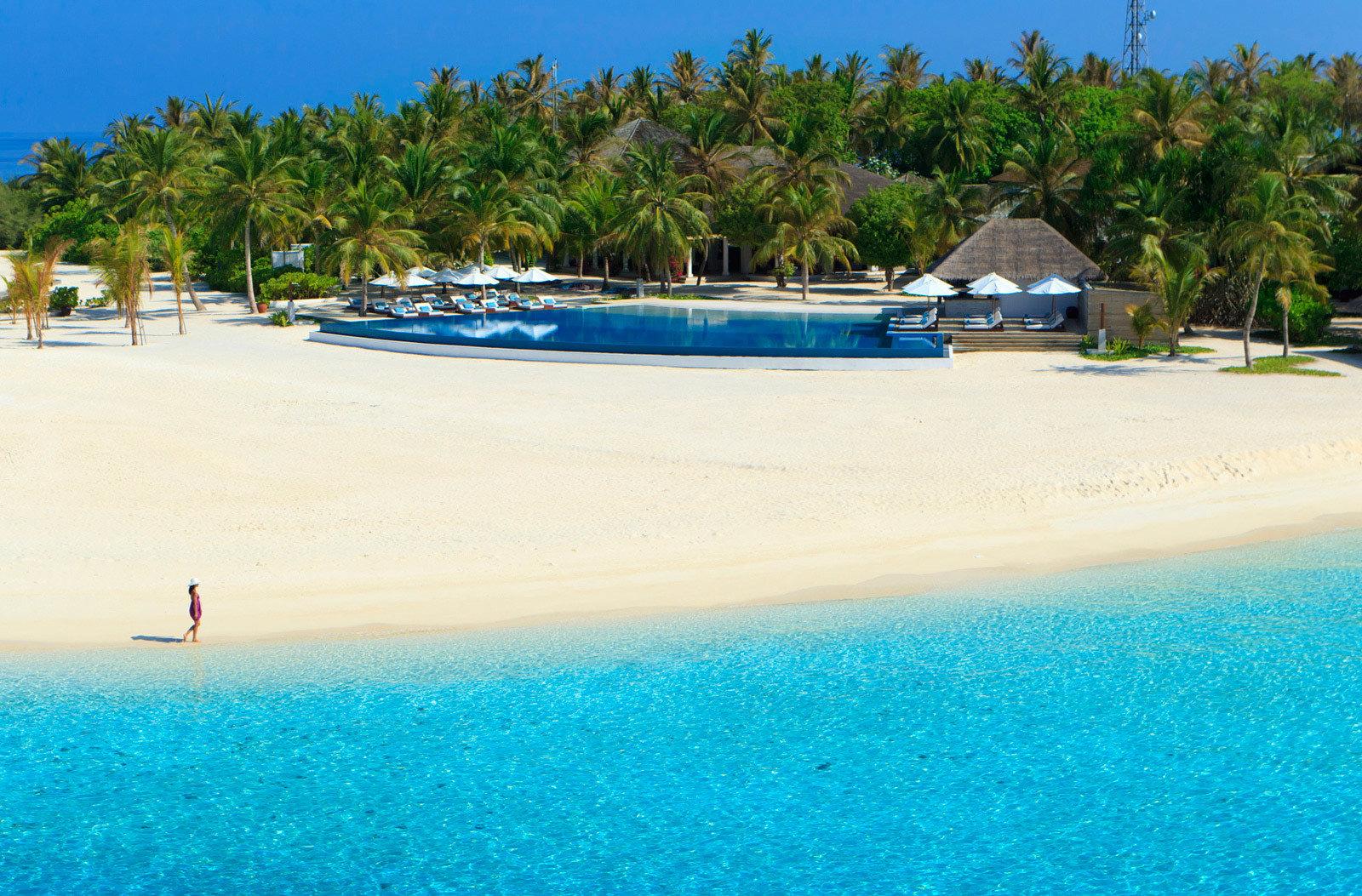 water tree sky Beach Nature blue Sea shore swimming pool caribbean Resort swimming Ocean Lagoon Pool Island sand Coast tropics cay cape sandy