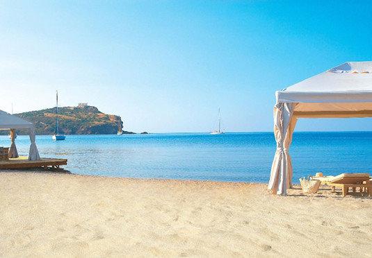 sky water Beach ground Sea leisure shore caribbean swimming pool Ocean Coast Resort Lagoon sand cape Island sandy day