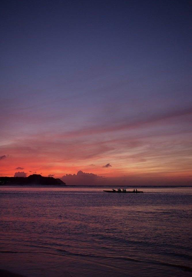 sky water Sunset Sea horizon afterglow sunrise dawn Ocean Beach cloud dusk Coast evening shore morning Sun Nature wave distance