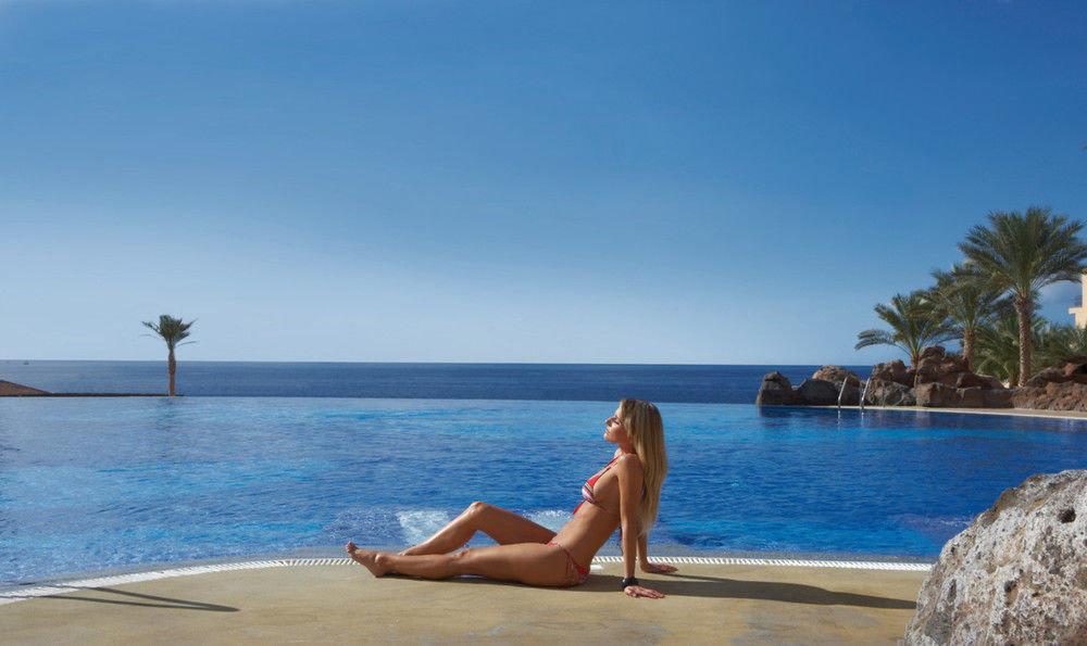 sky water Beach leisure swimming pool Sea shore Nature caribbean Ocean Coast Resort swimming