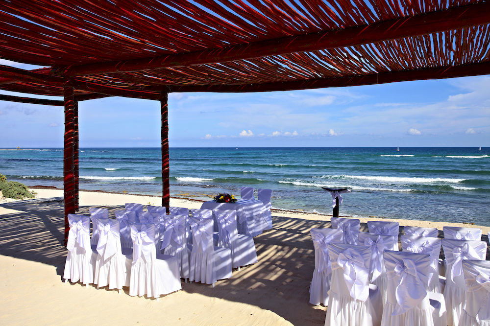 water sky Beach Ocean Sea Resort caribbean Coast shore line lined