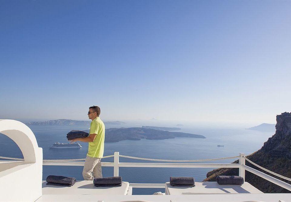 sky Sea Ocean horizon mountain Beach Coast vehicle Resort travel cape