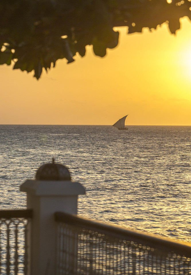 water sky Sea Sunset Ocean horizon morning sunlight shore sunrise evening Beach Coast dusk dawn distance