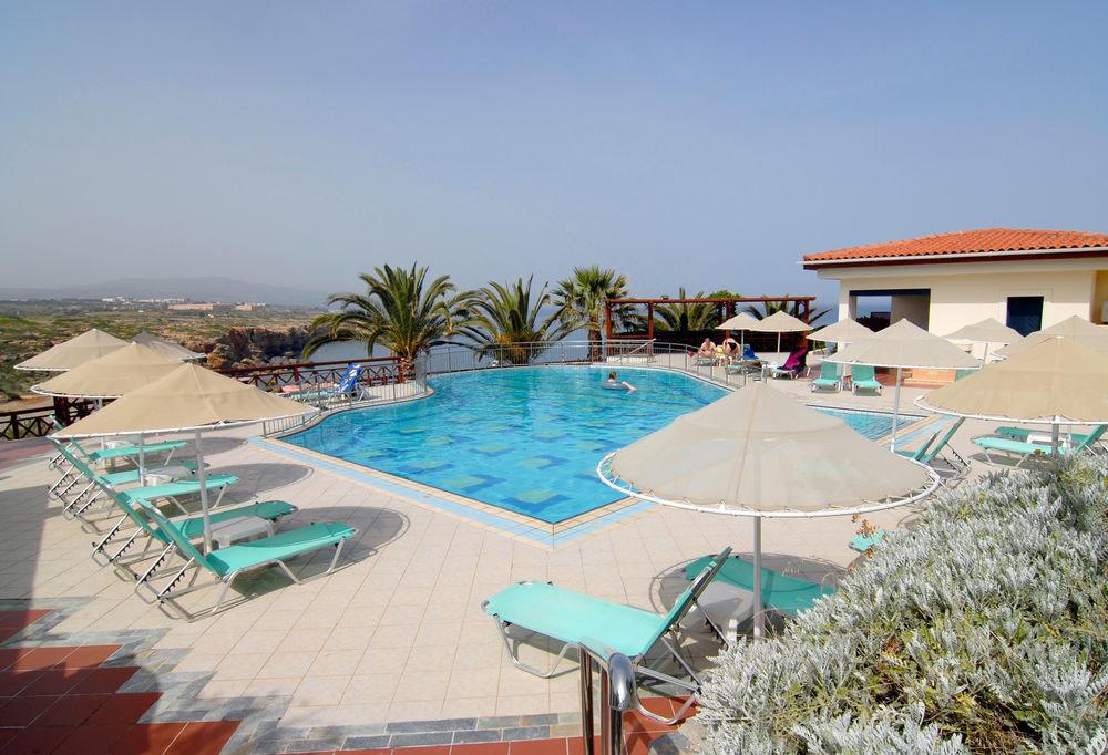 sky swimming pool leisure property Resort Beach lawn Villa Water park Deck