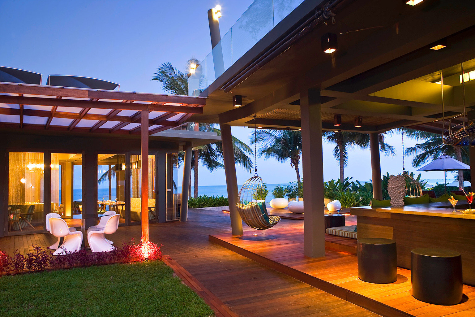 Beach Dining Family Grounds Modern Resort sky leisure building home restaurant Villa hacienda