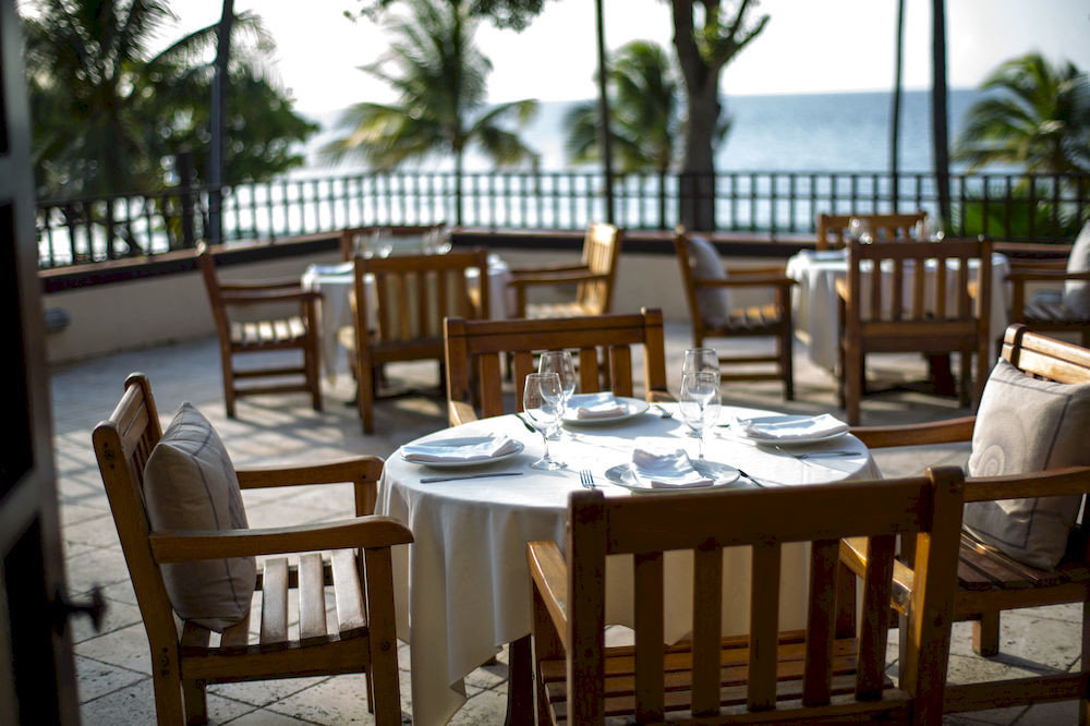 Beach Resort Scenic views Tropical Waterfront chair Dining restaurant property cottage function hall Villa set dining table