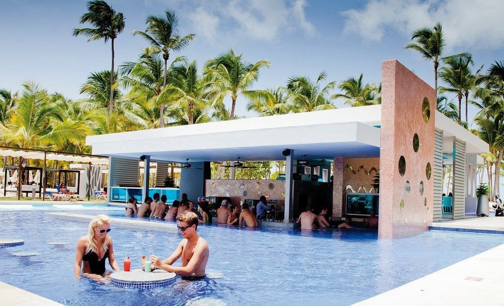 Exterior Grounds Luxury Pool Tropical tree sky leisure swimming pool Resort Water park water sport caribbean Beach amusement park swimming