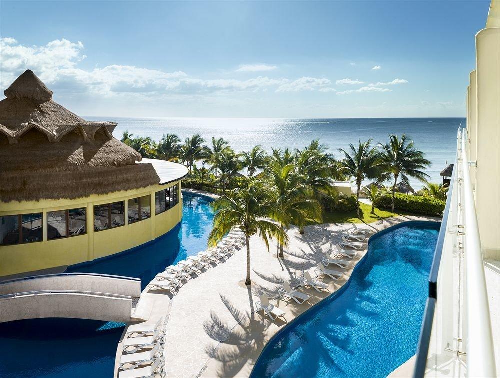 Exterior Lounge Luxury Modern Pool sky caribbean Sea Ocean Resort vehicle Beach Lagoon Villa swimming pool