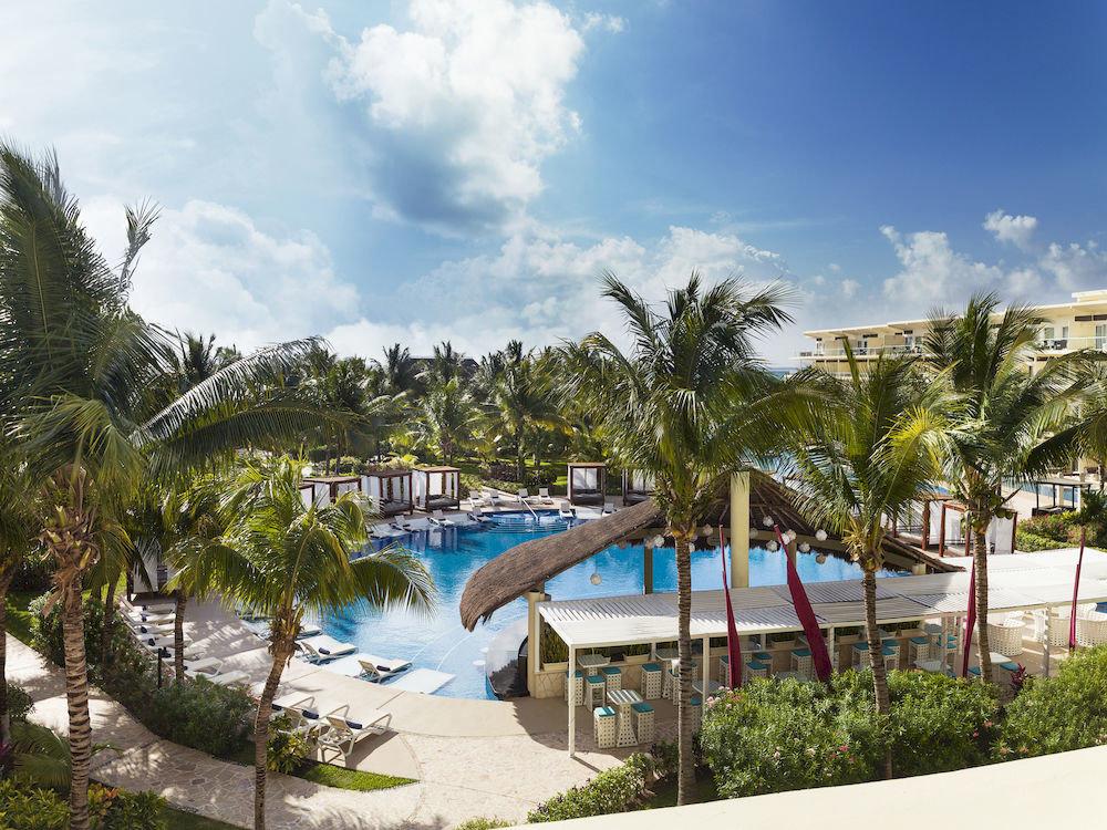 Exterior Lounge Luxury Modern Pool tree sky leisure property Resort Beach arecales swimming pool caribbean Sea Villa plant palm shore lined