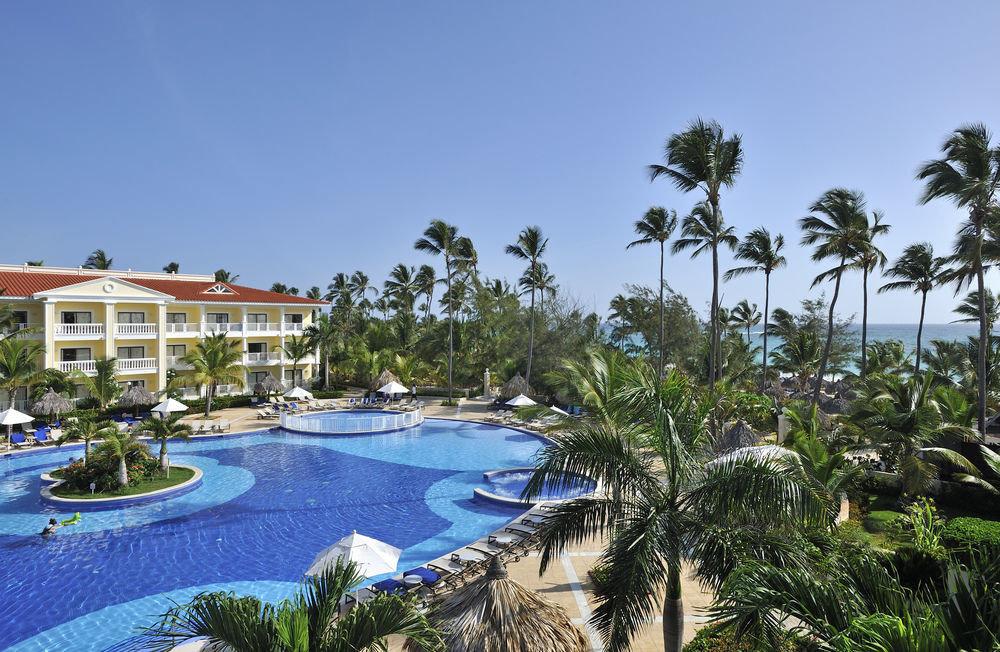 sky tree Resort property swimming pool arecales plant caribbean resort town palm Villa Beach Sea condominium Lagoon tropics mansion Garden
