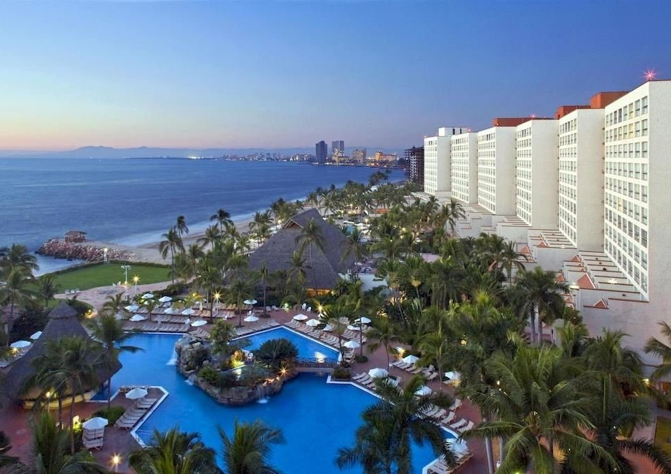 Hot tub/Jacuzzi Lounge Luxury Modern Pool Romantic sky property Resort marina condominium Nature dock Beach overlooking shore