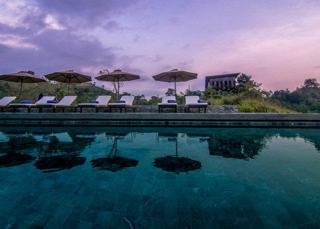 water sky swimming pool Sea Nature Ocean Resort Lagoon Beach dusk marina day surrounded shore