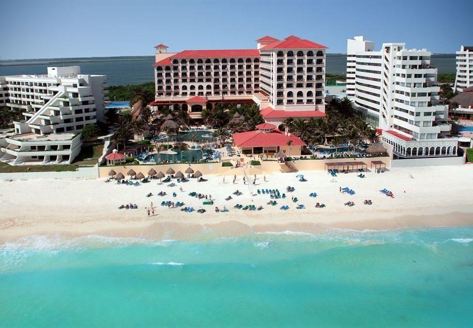 sky water Beach leisure Ocean Sea shore Resort swimming pool Nature cruise ship swimming sandy