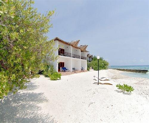 sky tree ground property Nature home Villa Beach cottage Resort Village shore