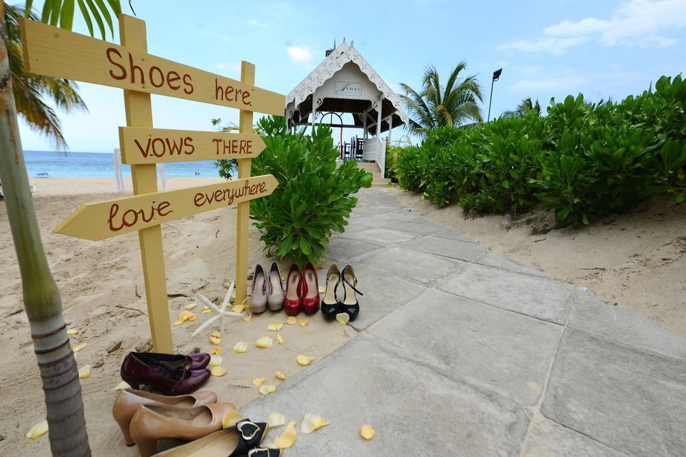 sky ground property walkway home Resort Beach Village