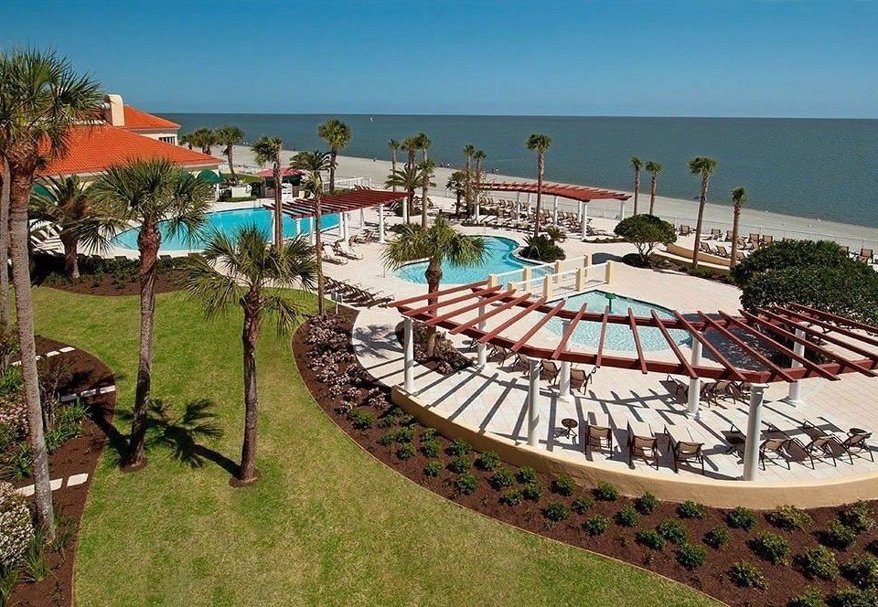 grass sky chair leisure Resort lawn property amusement park Beach Water park walkway park lined line