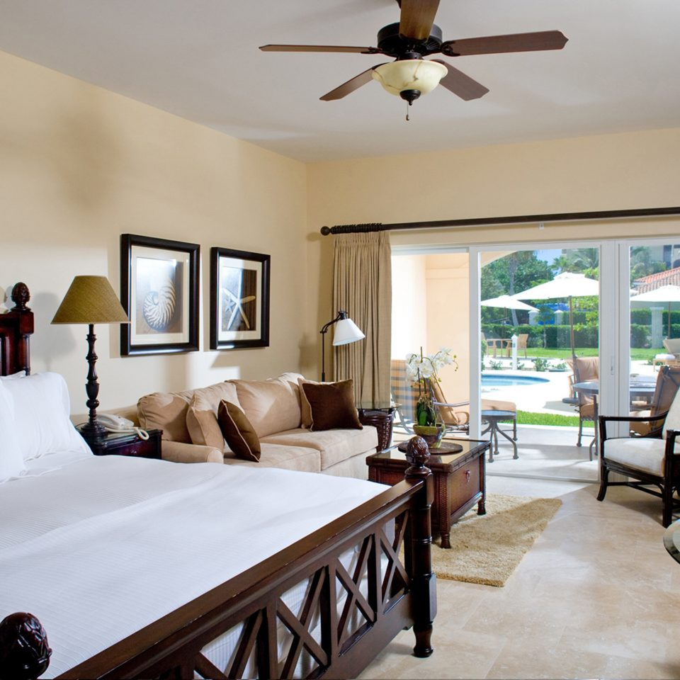 Beachfront Bedroom Boutique Budget property living room home cottage Villa farmhouse condominium Suite