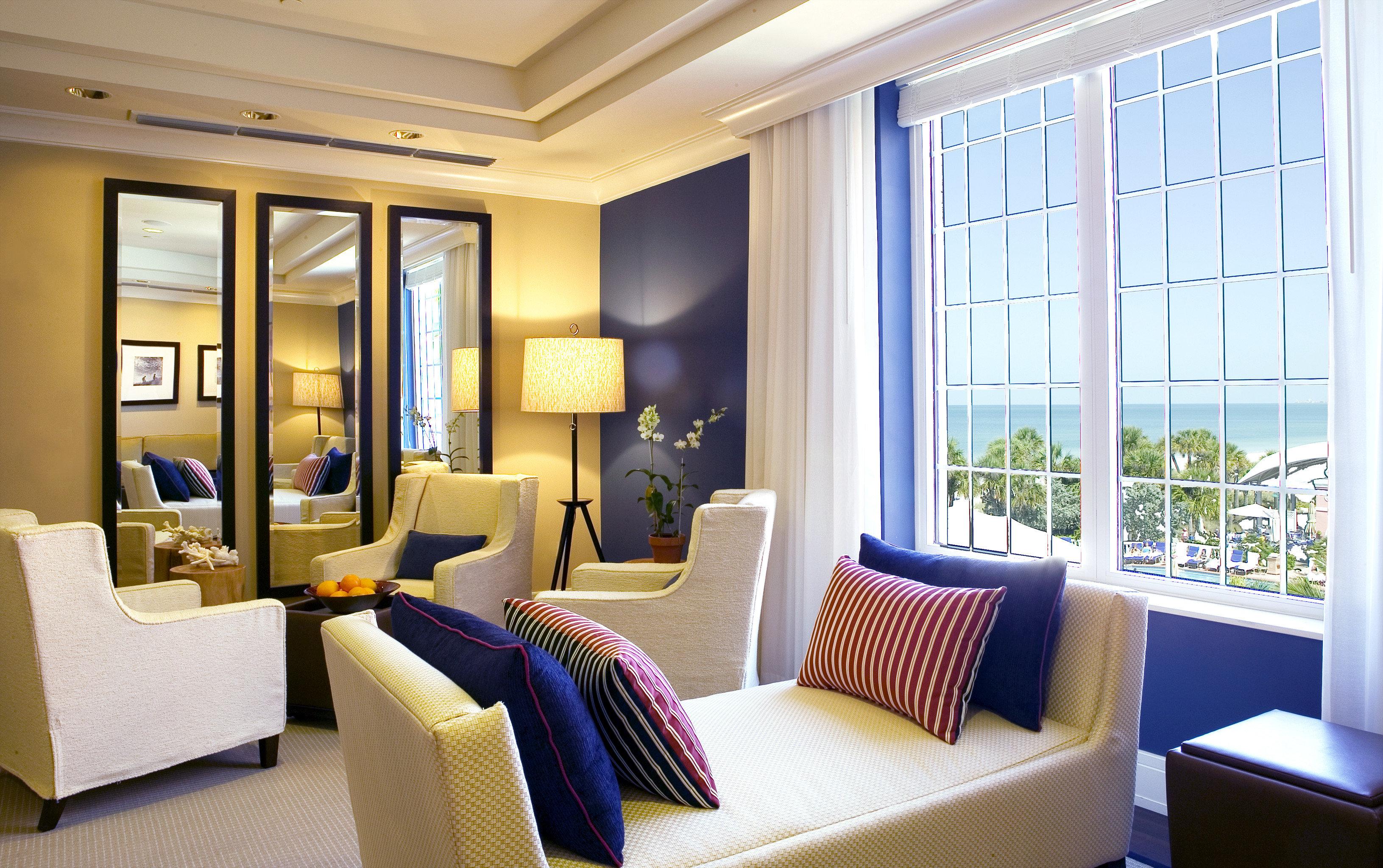 Beachfront Classic Family Resort property condominium living room Suite Bedroom home white Modern flat