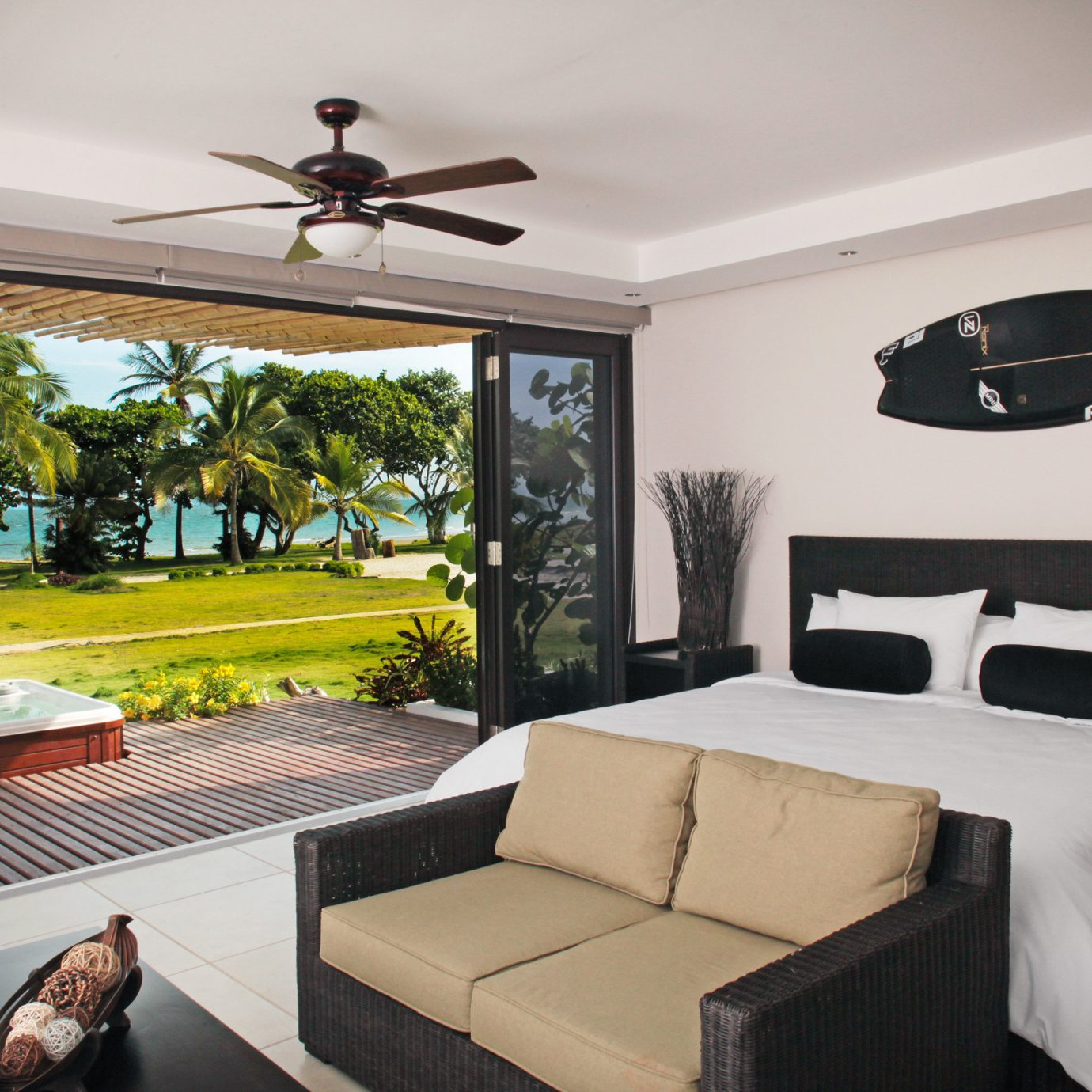 Beachfront Bedroom Classic Modern Scenic views property living room home Villa condominium Suite