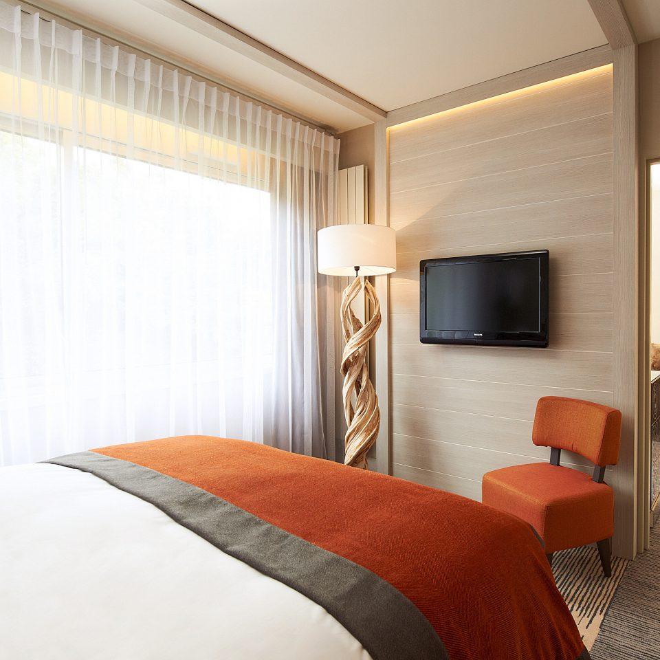 Beachfront Bedroom Classic Resort sofa property Suite cottage orange