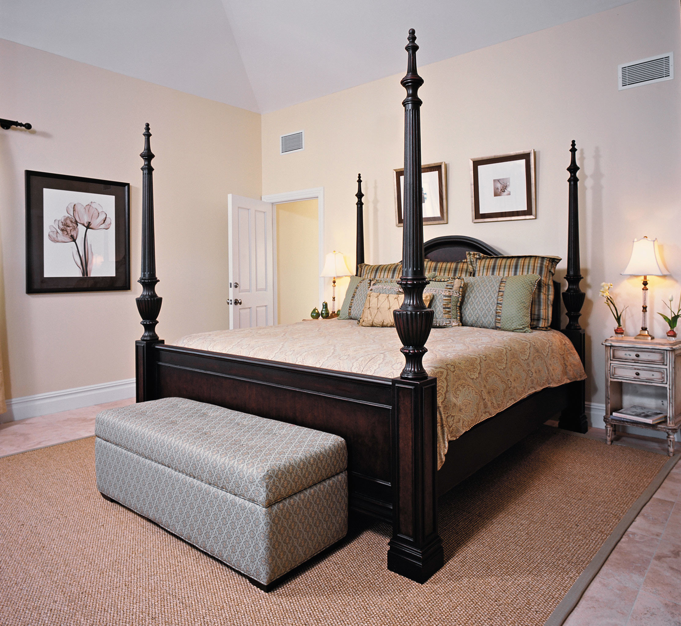 Beachfront Bedroom Classic Resort property living room hardwood bed frame bed sheet lamp