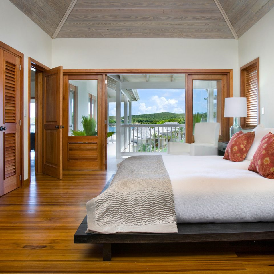 Beachfront Bedroom Classic Resort property home house living room hardwood cottage wood flooring