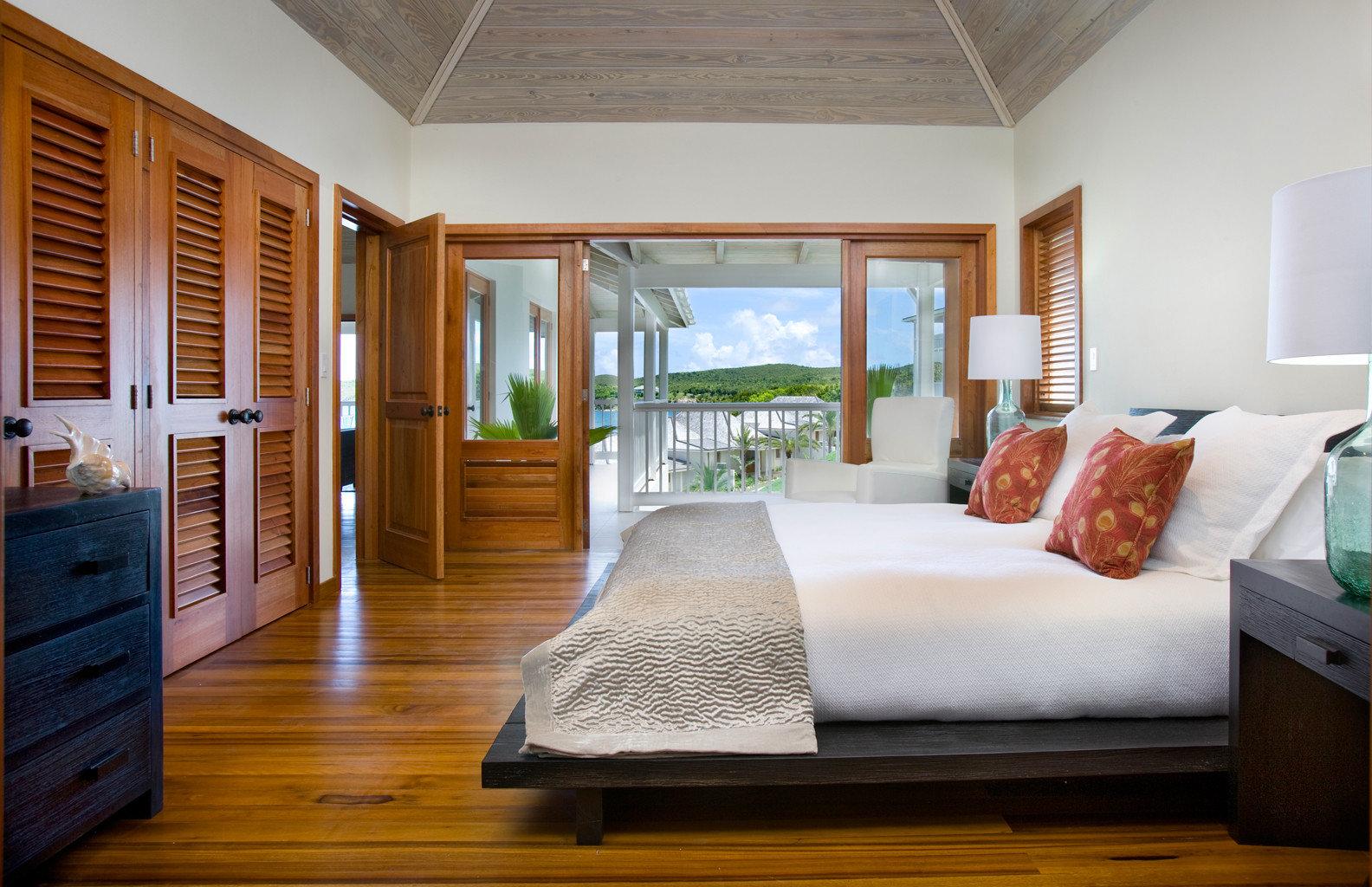 Beachfront Bedroom Classic Resort property home house living room hardwood cottage wood flooring