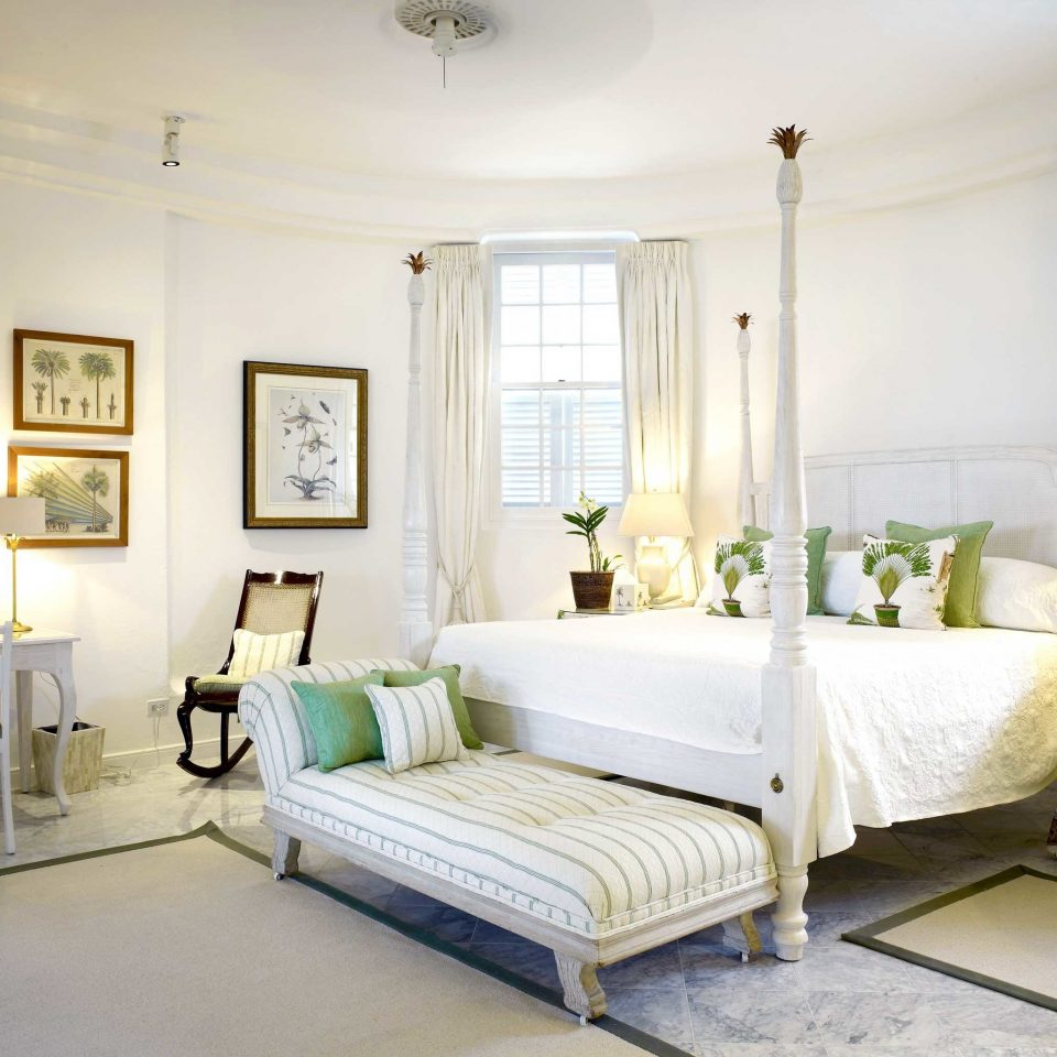 Beachfront Bedroom Country Elegant Island Waterfront property living room home condominium cottage Villa mansion Suite