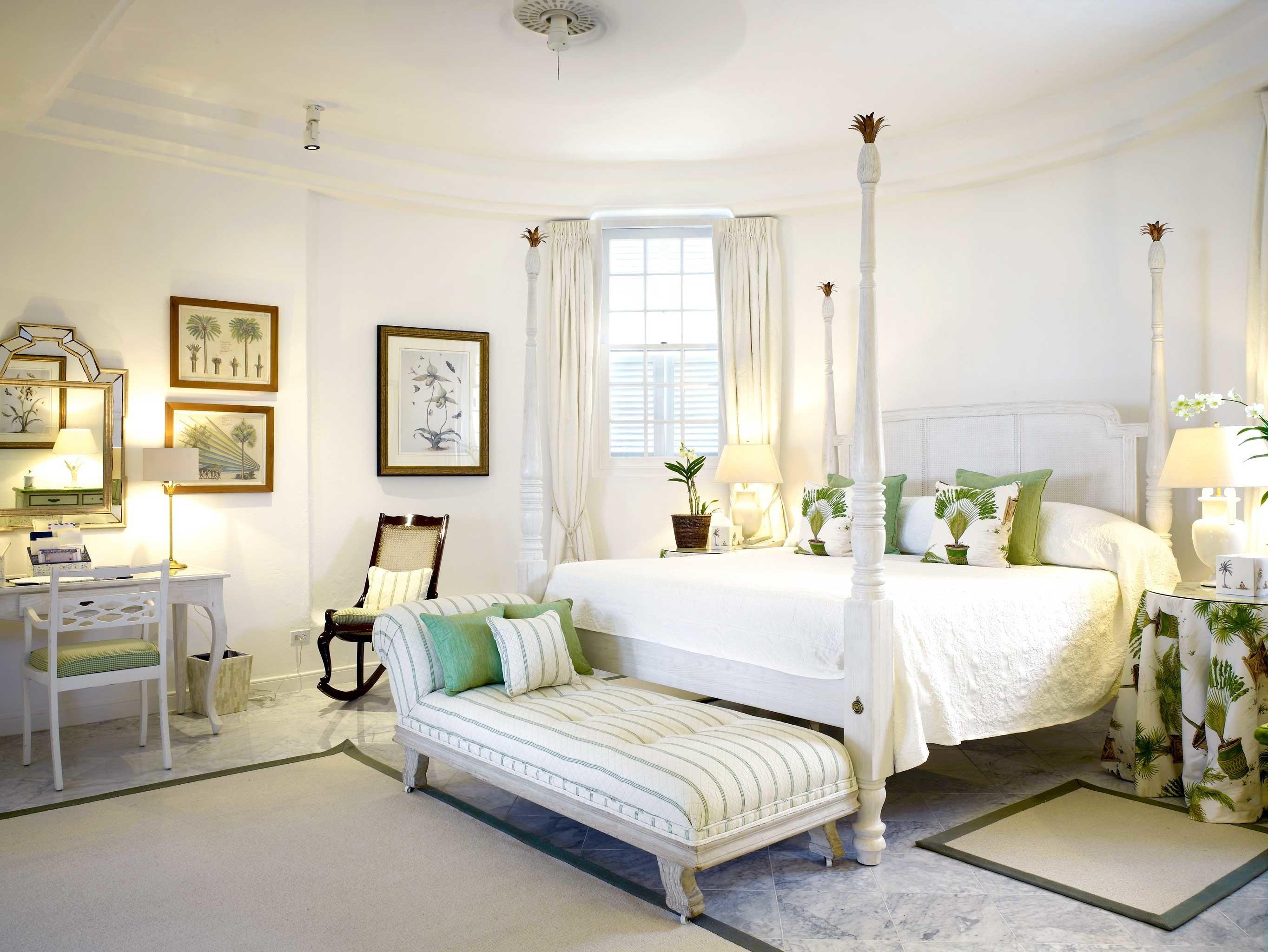 Beachfront Bedroom Country Elegant Island Waterfront property living room home condominium cottage Villa mansion Suite