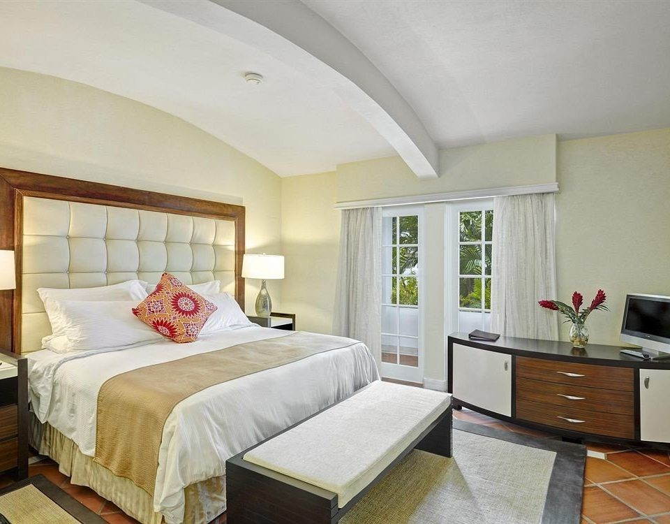Beachfront Bedroom Elegant Luxury Suite property cottage home living room Villa