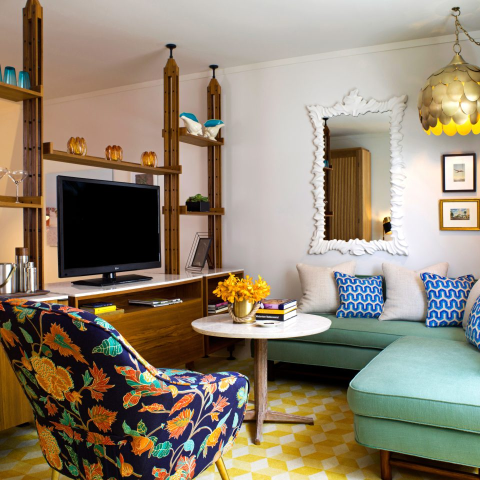 Beachfront Entertainment Hotels Modern Resort living room property home cottage Suite Villa farmhouse colorful Bedroom