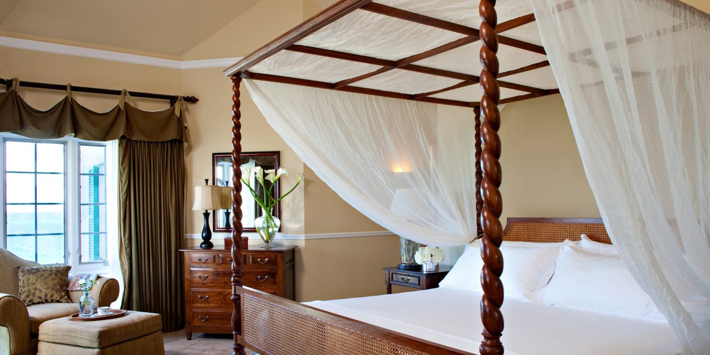 Beachfront Bedroom Family Luxury Resort Romance Romantic property home cottage Suite