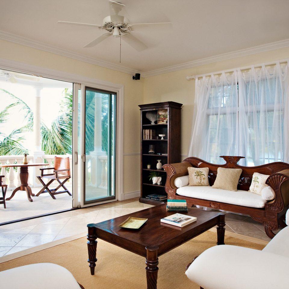 Beachfront Family Luxury Modern Resort sofa property living room home condominium Bedroom Villa cottage Suite mansion flat