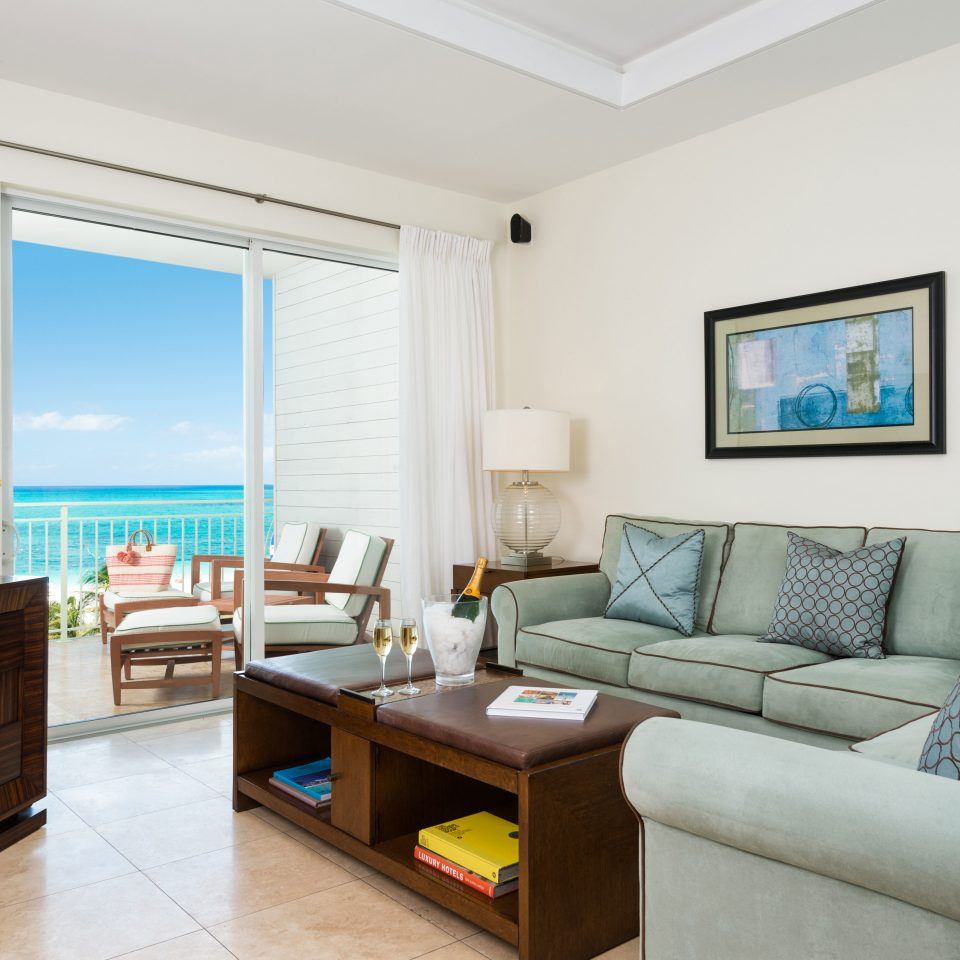 Beachfront Family Scenic views sofa property living room home condominium Suite cottage Bedroom Villa Modern flat