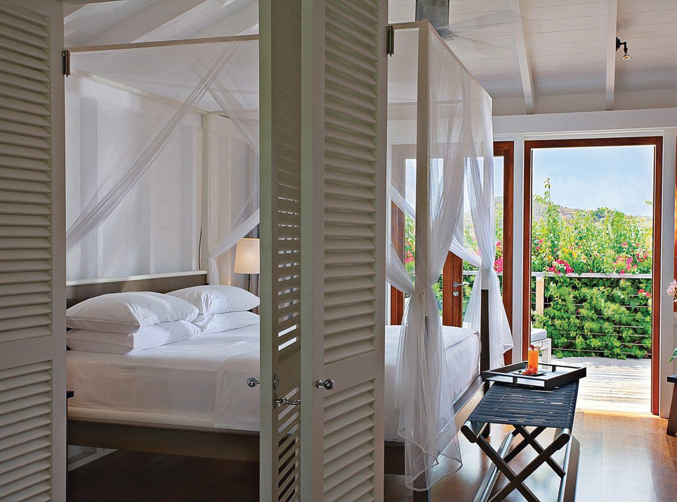 Beachfront Bedroom Honeymoon Hotels Luxury Romance Romantic Villa property cottage home porch