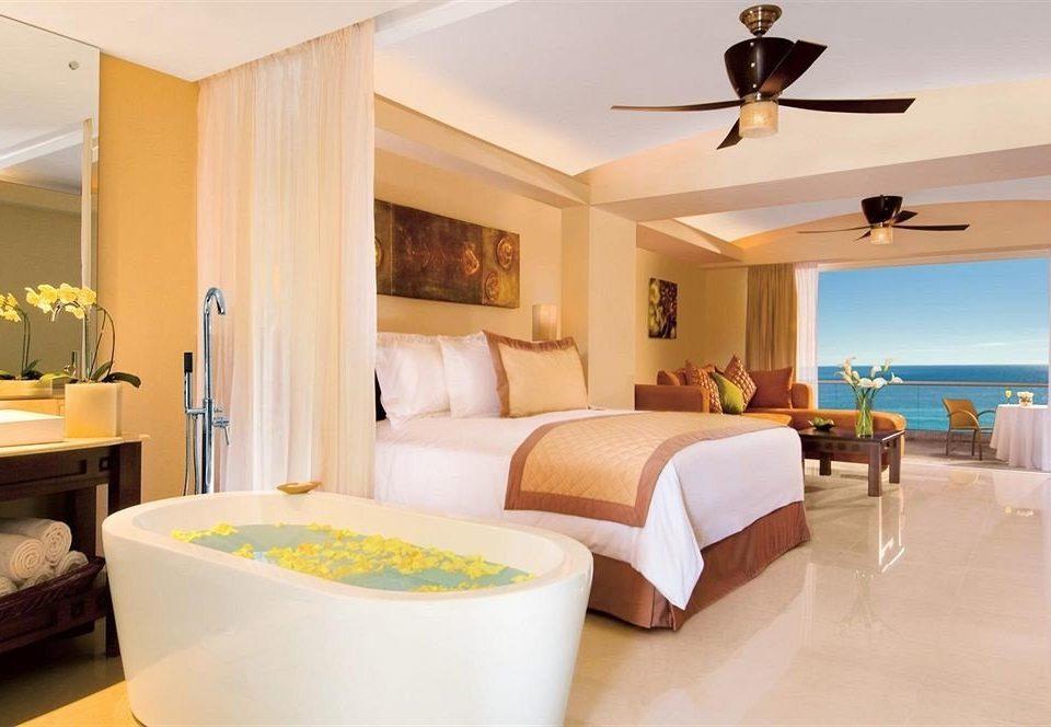 Beachfront Bedroom Hot tub/Jacuzzi Patio Scenic views property Suite home cottage Villa condominium